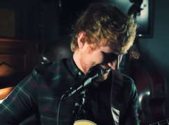 """Ed Sheeran & The Roots Cover Fetty Wap's """"Trap Queen"""""""