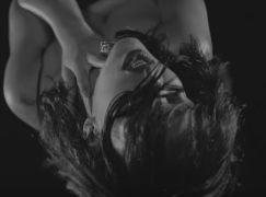 Rihanna – Kiss It Better