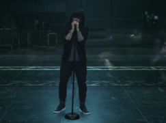 Eminem – Walk On Water ft. Beyoncé